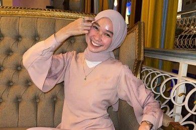 Warna Hijab Cocok Kulit Kuning Langsat