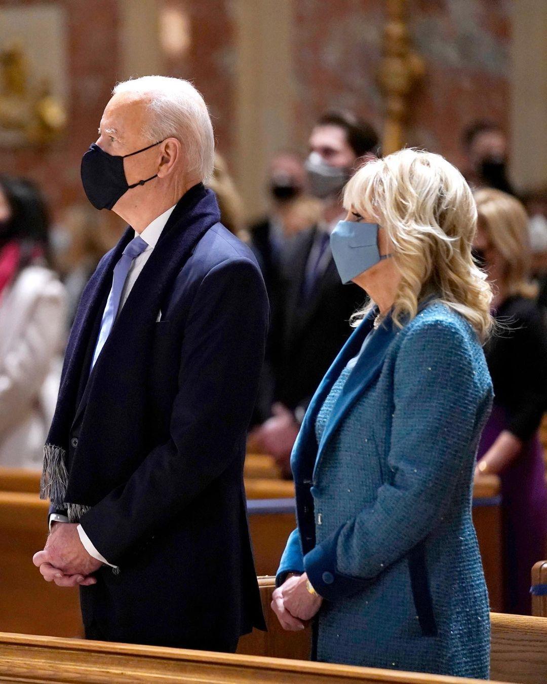 Makna Warna Biru Pakaian Joe dan Jill Biden di Hari Pelantikan 2021