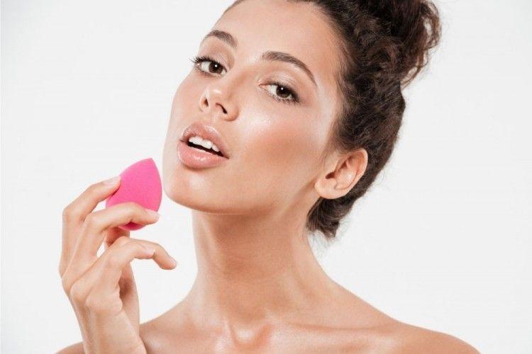 7 Rekomendasi Beauty Blender Lokal, Kualitasnya Nggak Main-main!