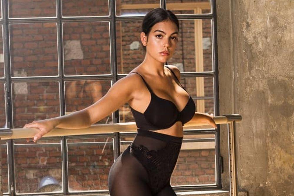 7 Potret Body Goals A la Georgina Rodriguez, Seksinya Minta Ampun!