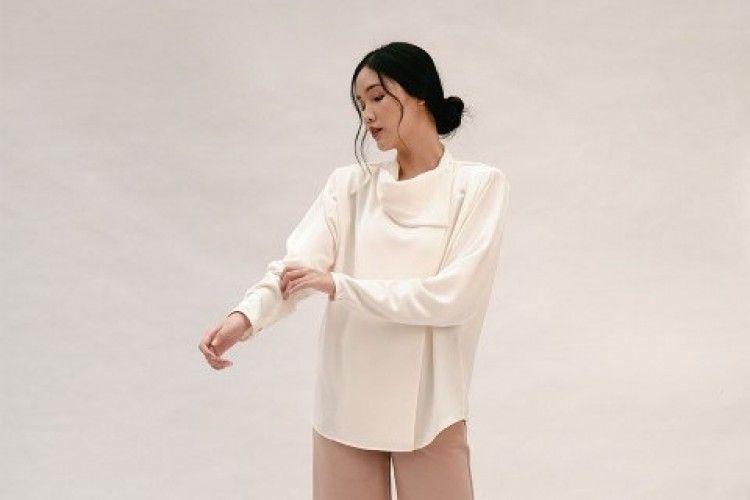 #PopbelaOOTD: Selain Sweater, Andalkan Baju Ini saat Musim Hujan
