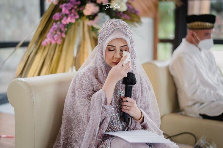 2 Minggu Lagi Menikah, Ini 10 Momen Haru Pengajian Kesha Ratuliu