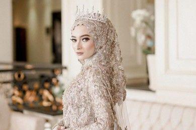 Potret Valda Alviana, Istri Reza D'Academy Bikin Jatuh Hati