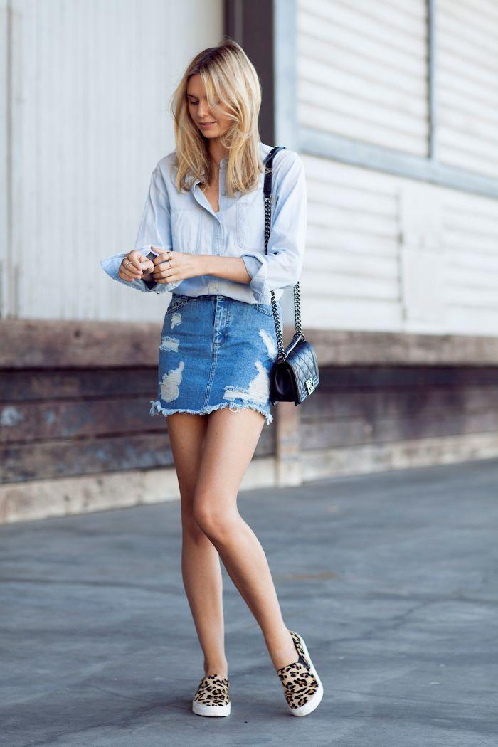 Cara Praktis Membuat Rok Jeans jadi Lebih Chic