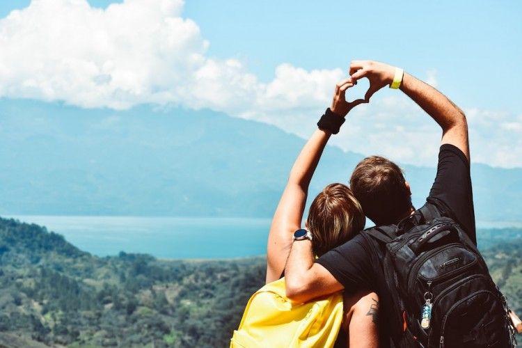 Catat Nih! 5 Tindakan Nyata yang Bikin Pasangan Merasa Dicintai