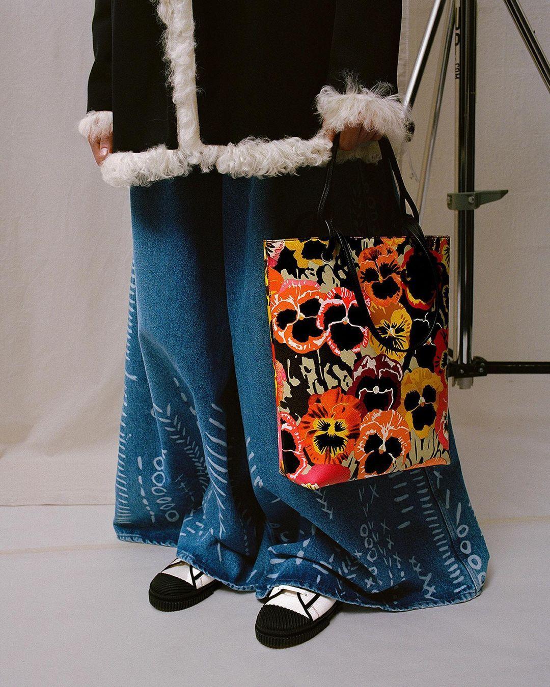 Trend Fashion 2021 Tas Cowok Paling Nge-Hits!