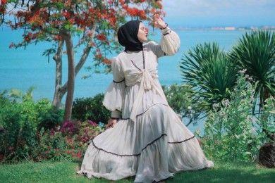 Tips Padu-padan Gaya Vintage Perempuan Hijab