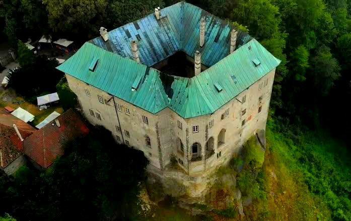 7 Tempat di Dunia yang Mendapat Julukan 'Gerbang Neraka'
