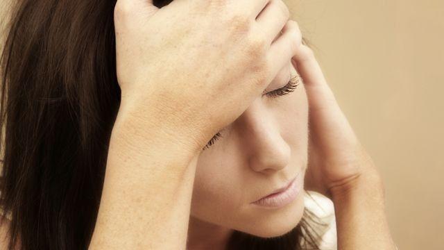 Bisa Memicu Depresi, Ini Efek Bahaya dari FOMO