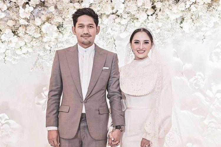 Bergaya Vintage, 10 Momen Pernikahan Ibnu Jamil dan Ririn Ekawati