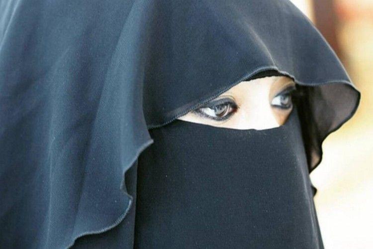 Pesinetron yang Hijrah & Perdalam Agama, 7 Fakta Soraya Abdullah