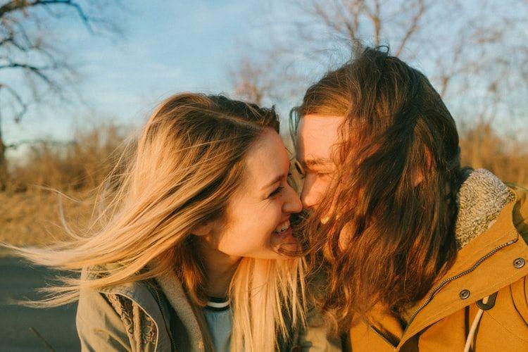 9 Ciri-Ciri Perempuan yang Nggak Akan Mudah Dilupakan Lelaki