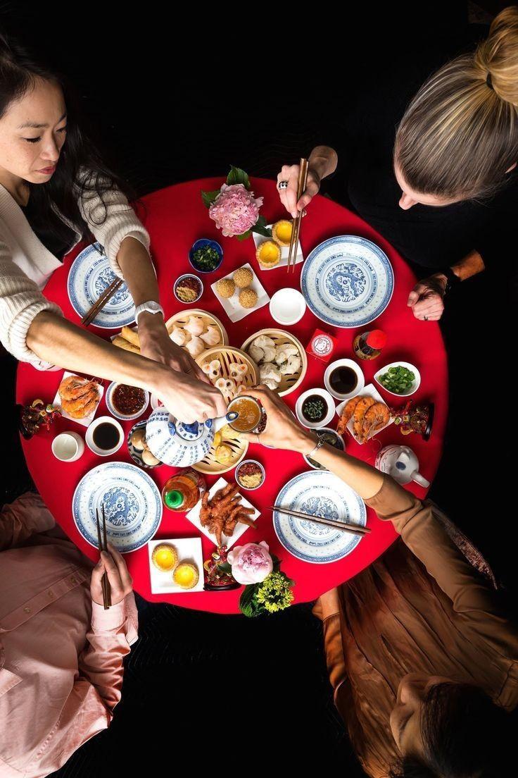 Penuh Harapan Baik, Ini 9 Tradisi Unik Perayaan Imlek