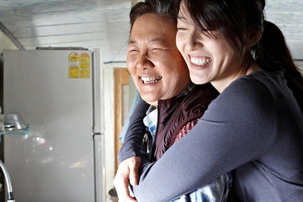 12 Film Korea Tersedih Tentang Pengorbanan Ibu, Bikin Hati Pilu!