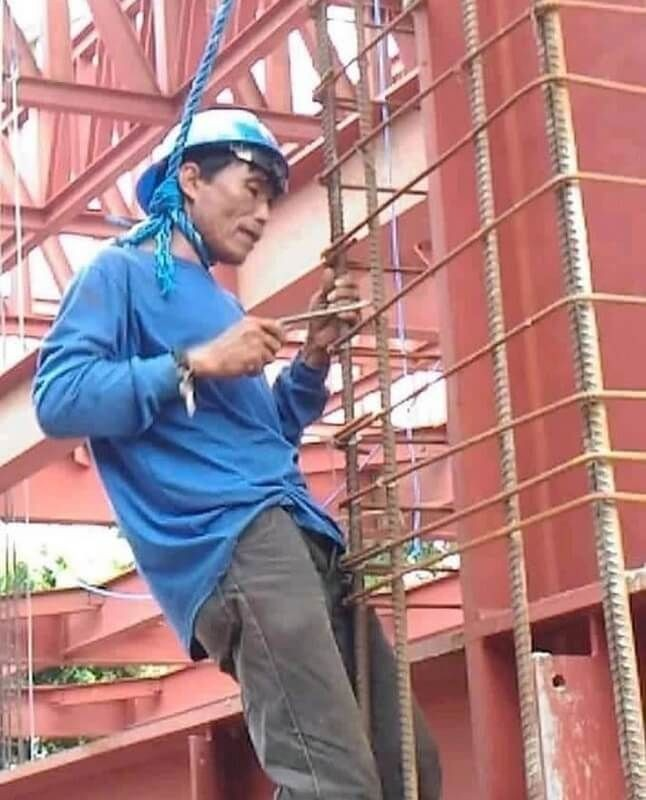 10 Foto Kelakuan Kuli Bangunan yang Bikin Geleng-Geleng Kepala