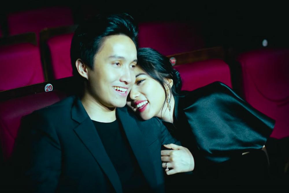 Pacaran Lama, 10 Pasangan Artis Ini Akhirnya Bersanding di Pelaminan
