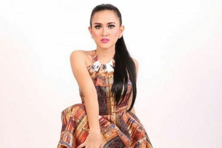 Ini Sosok Meggy Diaz, Penyanyi Dangdut yang Curi Perhatian