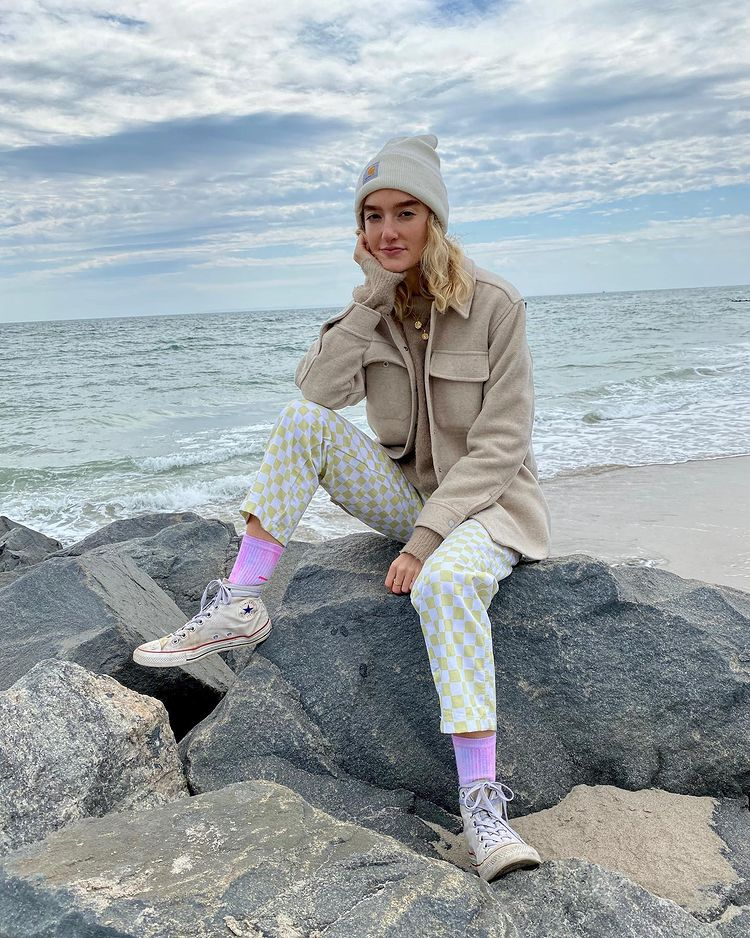 Tips Mix & Match Kekinian Pakai Sepatu Converse