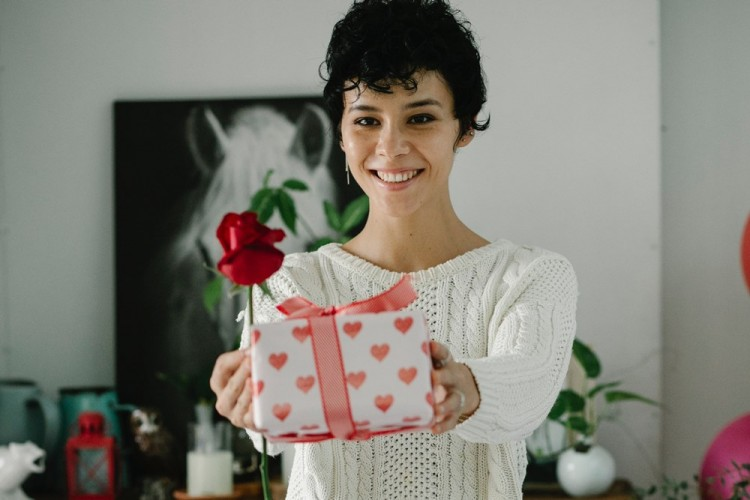 7 Ide Kado Hari Valentine untuk Orangtua