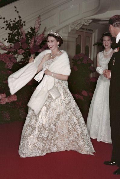 Gaun Terbaik Anggota Kerajaan Inggris, Diana hingga Kate Middleton
