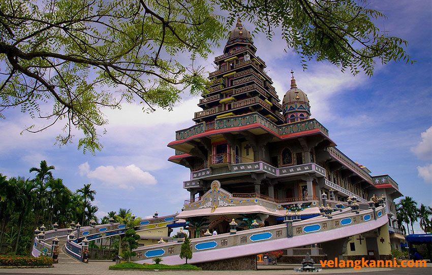 9 Tempat Ibadah Terindah Di Indonesia Ini Buatmu Terkagum