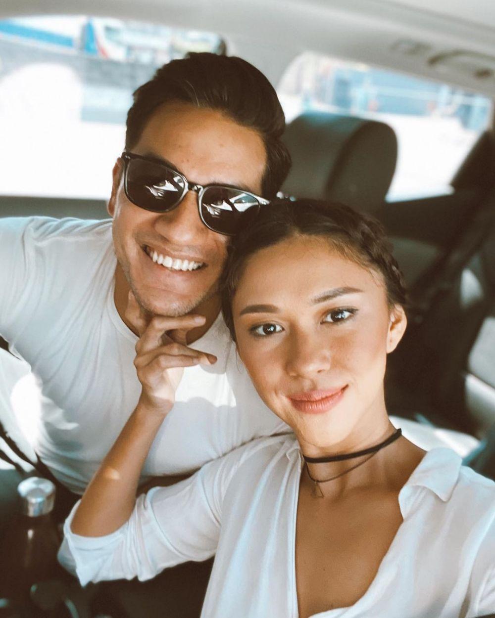 10 Adu Mesra Nana Mirdad vs Naysila Mirdad dengan Pasangan, Romantis!