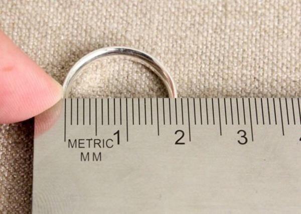 Cara Mudah Mengetahui Ukuran Cincin Perempuan