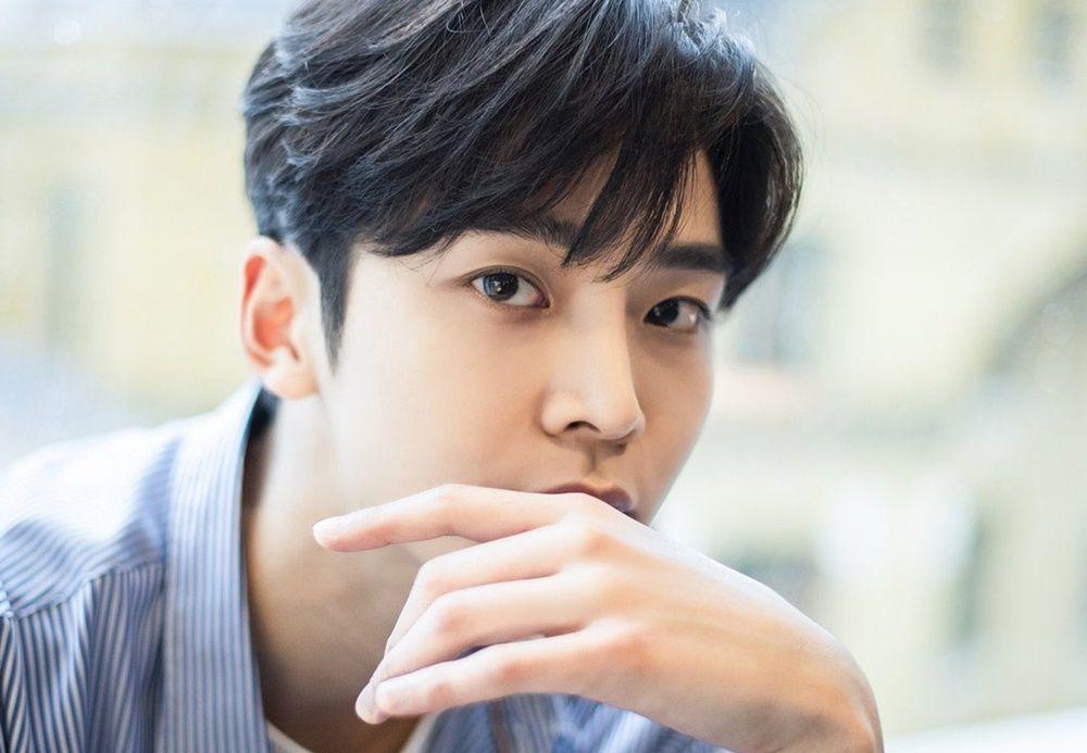 Romantis banget, 6 Idol Kpop Ini Nyatakan Perasaan ke Cinta Pertama