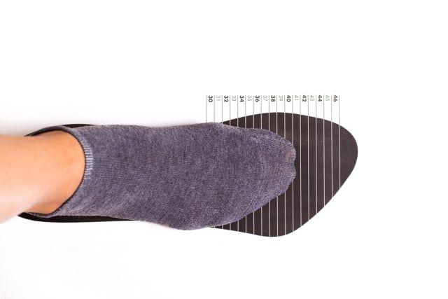 Tips Menentukan Ukuran Sepatu saat Belanja Online