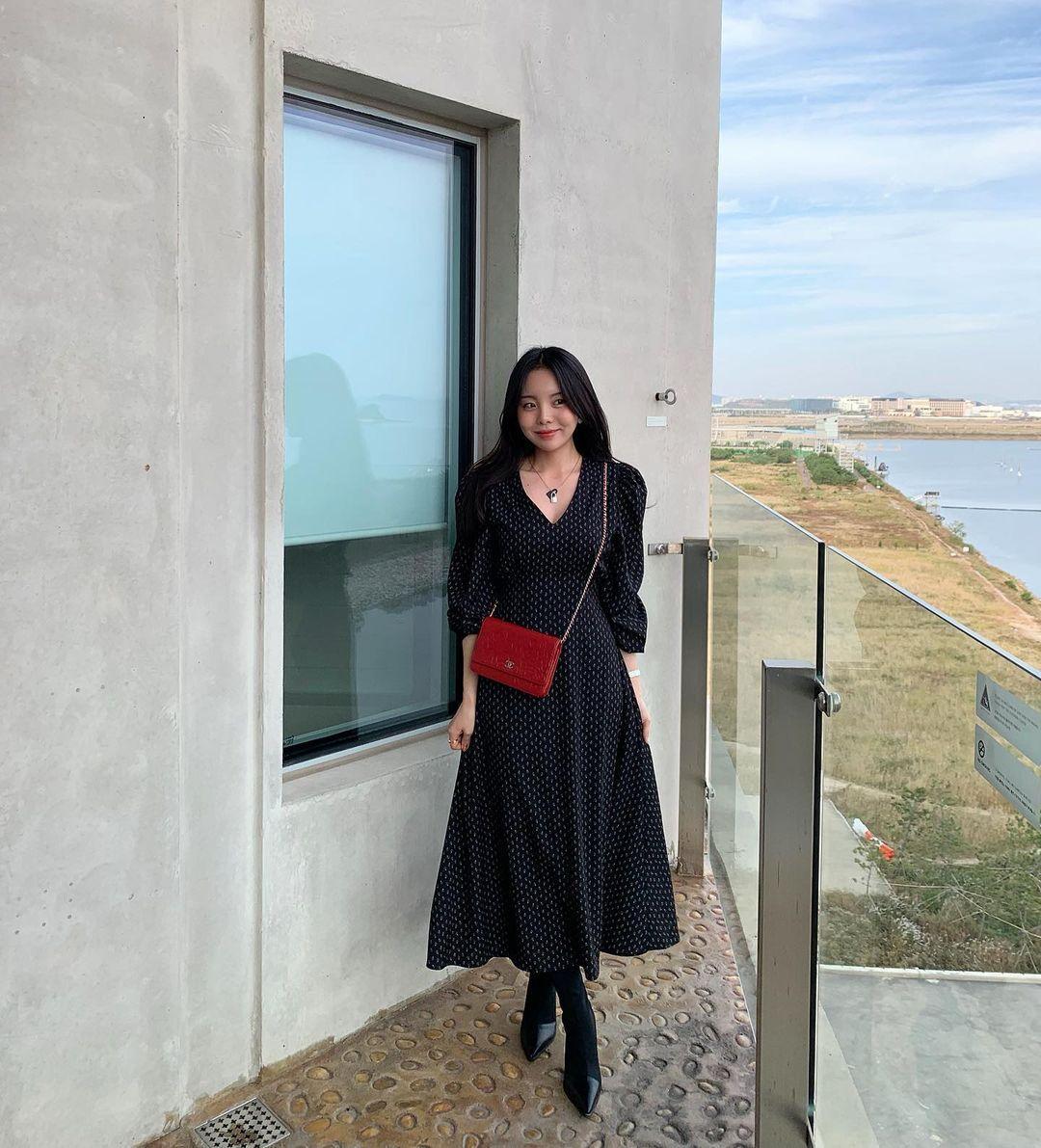 Intip Gaya Jung Jiwoo, Kakak J-Hope BTS yang Terkenal Modis