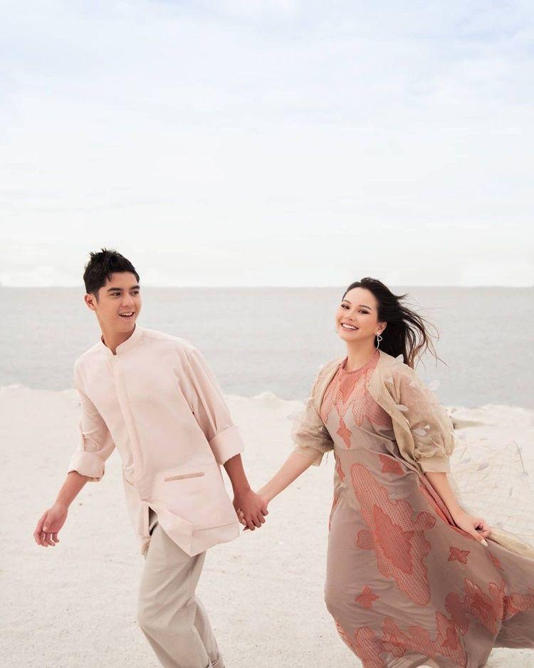 Bak Pre-Wedding, 9 Potret Mesra Al Ghazali & Alyssa Daguise di Pantai