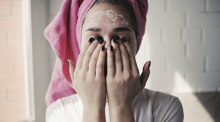 Penting Dilakukan, Ini 5 Tips Double Cleansing untuk Kulit Berjerawat
