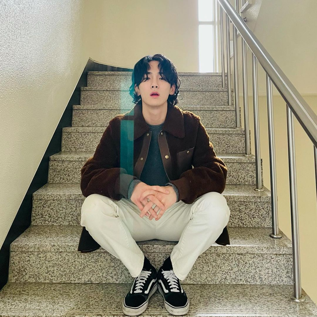 Sedang Tren, Begini Gaya 10 Kpop Idol dengan Rambut Mullet