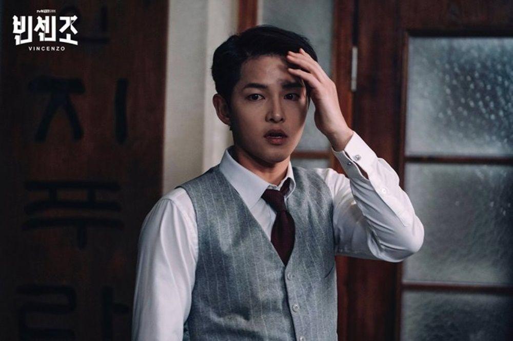 Karismatik, Ini 8 Potret Pesona Song Joong Ki dalam Vincenzo