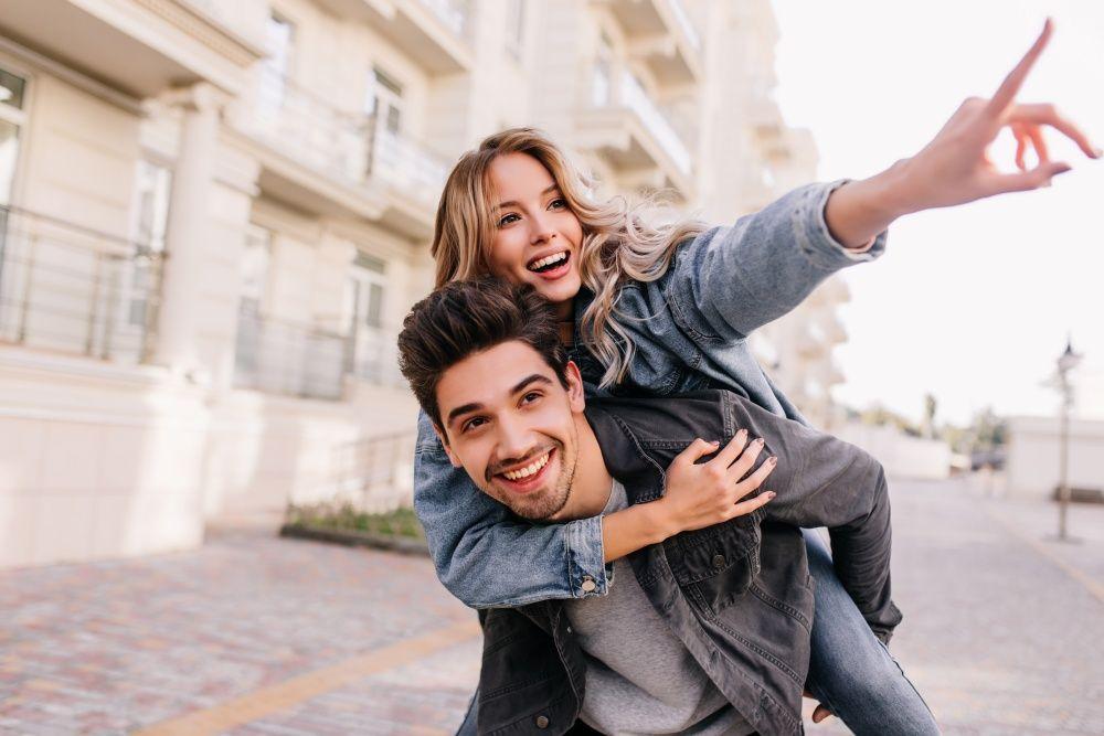 Rencana Menikah Muda? Ketahui Dulu Baik dan Buruknya