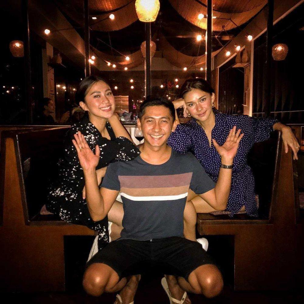 Sibling Goals! 10 Potret Kompak Nana Mirdad dan Kenang Kanna Mirdad