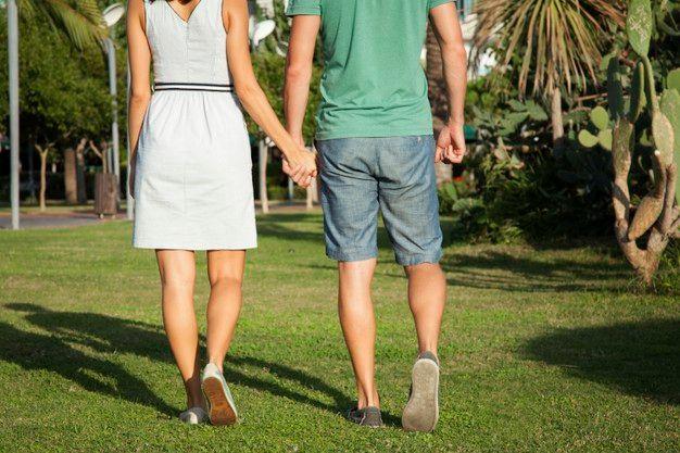 Ini 8 Cara Membantu Pasangan yang Sedang Berduka