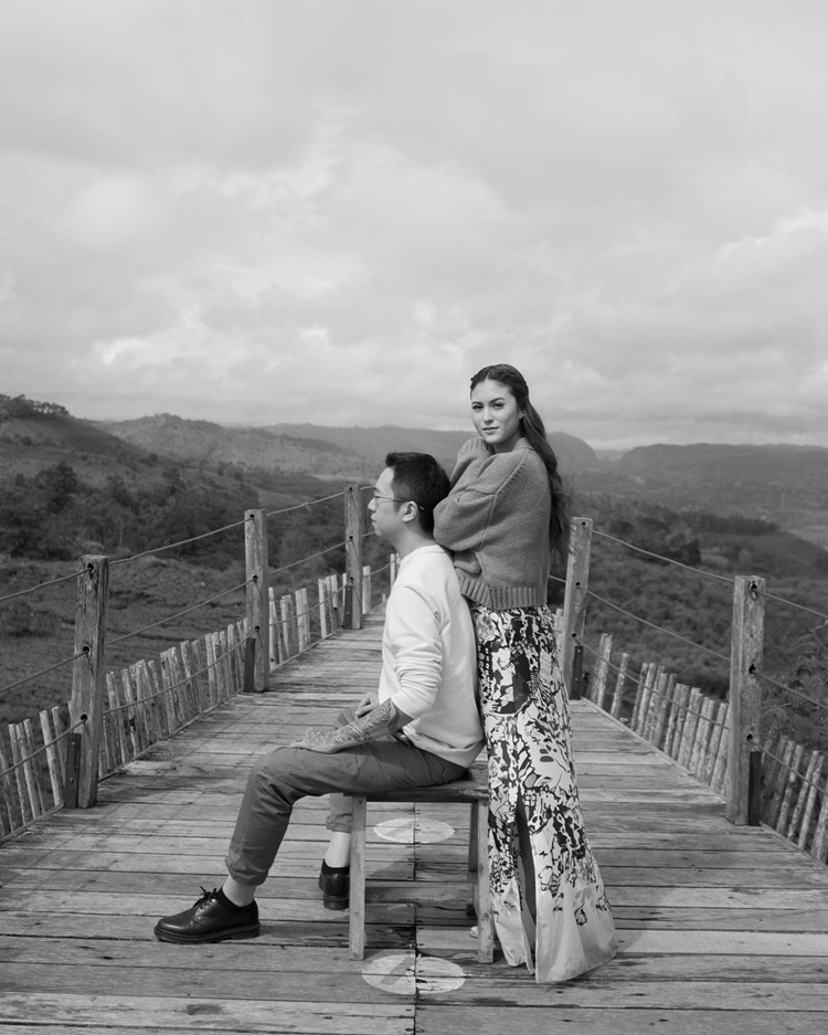 Tak Ketahuan Pacaran, Ini 9 Potret Perjalanan Cinta Marcella Daryanani