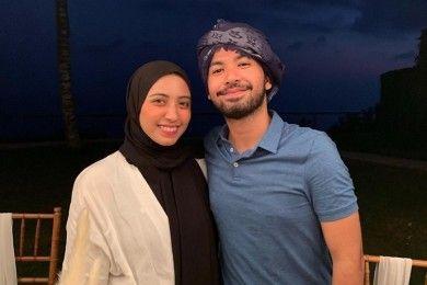 Sedih, 10 Potret Romantis Vicky Alaydrus Suami Sebelum Gugat Cerai