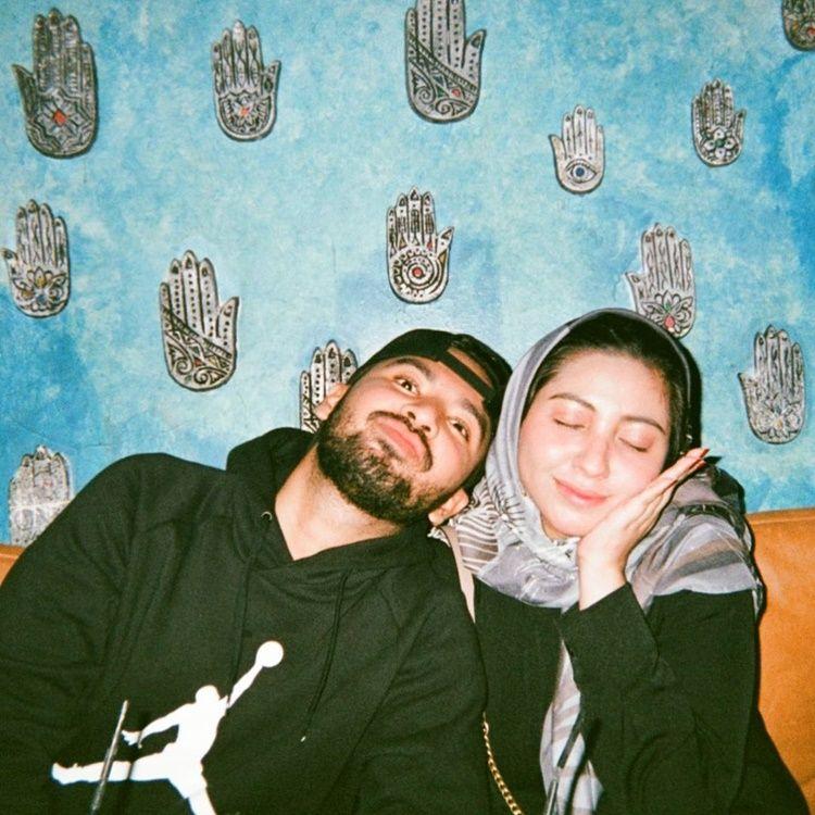 Sedih, 10 Potret Romantis Vicky Alaydrus dan Suami Sebelum Gugat Cerai
