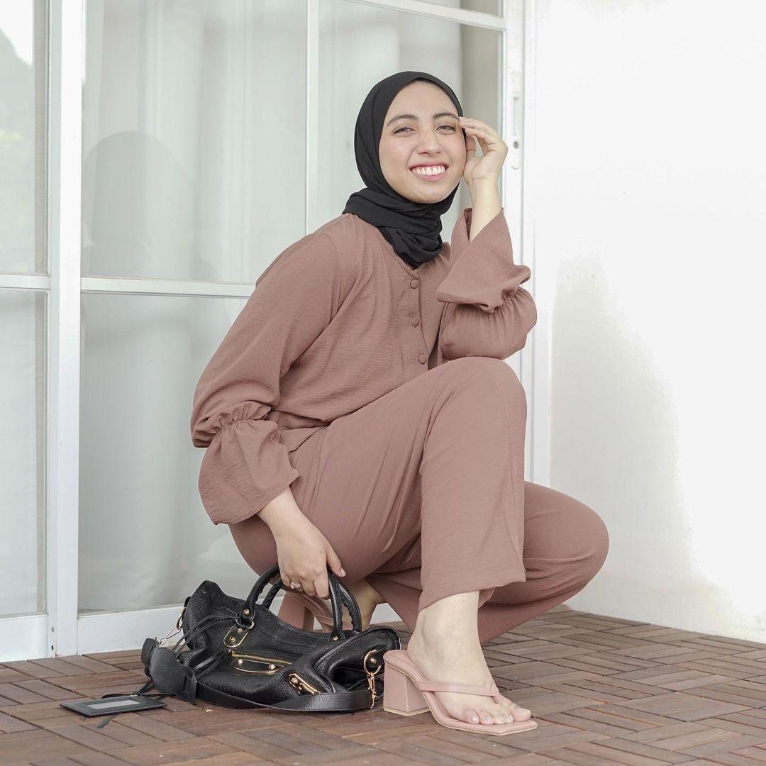 Intip Gaya Vicky Alaydrus, Teman Rachel Vennya yang Gugat Cerai Suami