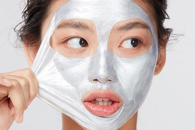 7 Rekomendasi Peel-Off Mask yang Bakal Bikin Wajah Cerah dan Mulus