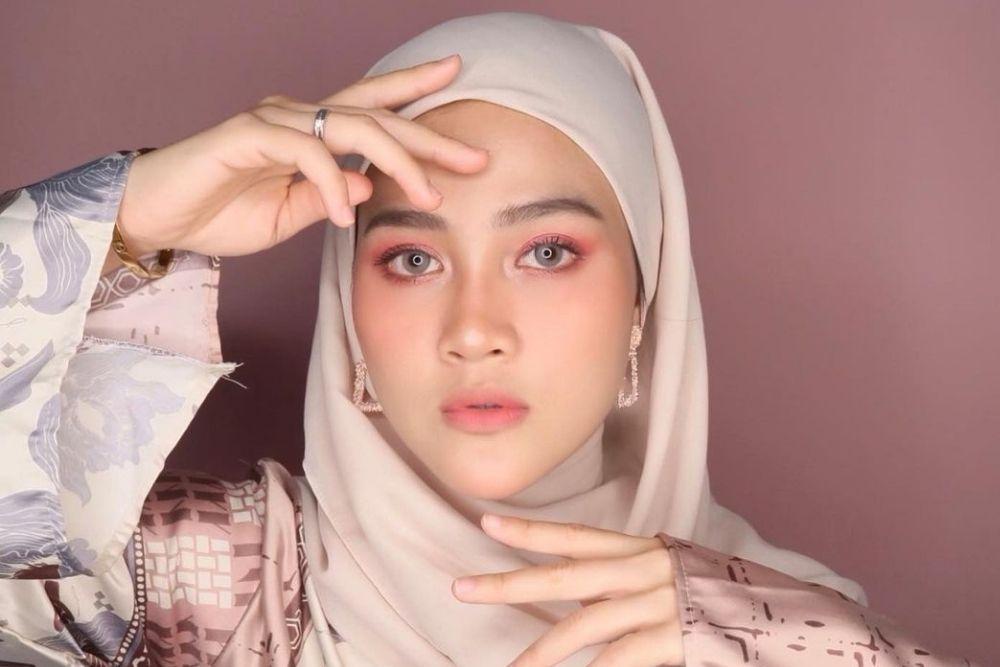 7 Potret Henny Rahman, Istri Zikri Daulay yang Putuskan Lepas Hijab
