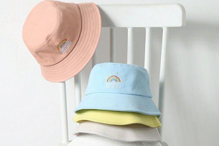 Cara Pakai Bucket Hat untuk Kesan yang Semakin Edgy