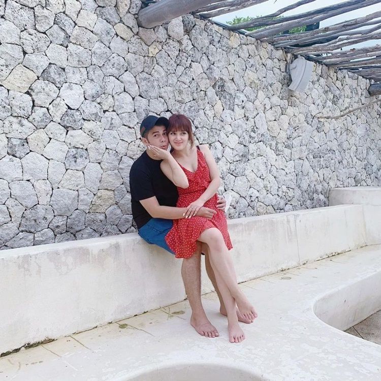 10 Potret Mesra Pasangan Artis yang Baru Menikah, Dunia Milik Berdua!