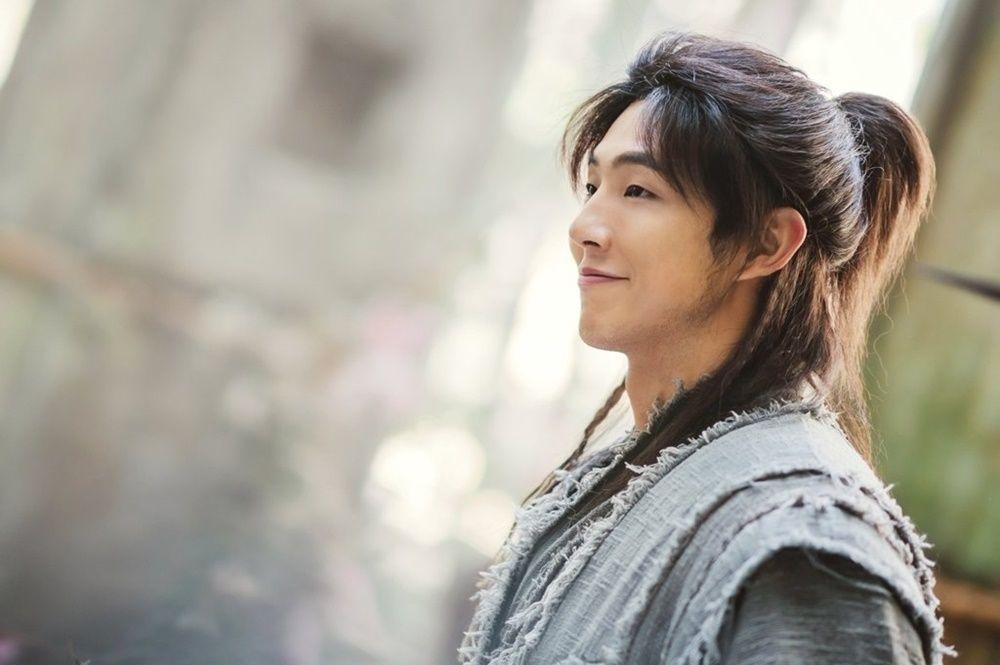 Dikenal Peran 'Sad Boy', Aktor Ji Soo Terseret Isu Bullying
