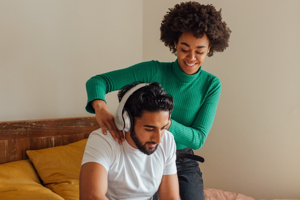 6 Ide Kencan di Hari Valentine Saat di Rumah Saja