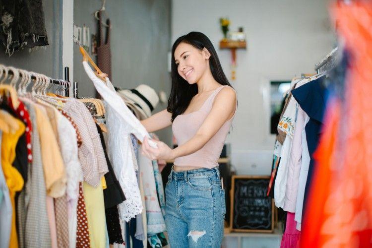 5 Kriteria yang Wajib Diperhatikan Cewek Saat Beli Baju Baru, Setuju?