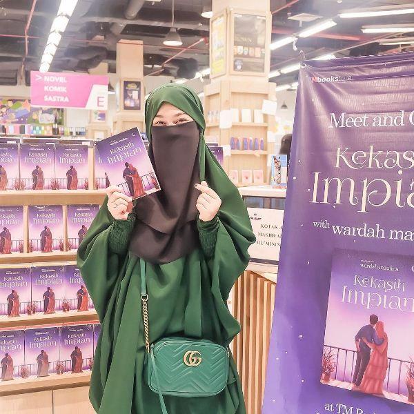 Profil Wardah Maulina, Penulis Buku dan Pengusaha Muda