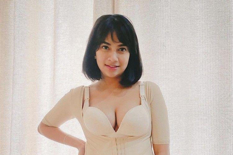 Potret Seksi Vanessa Angel di Media Sosial, Sensual Curi Perhatian!